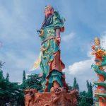 Patung Dewa Perang Kwan Sing Bio Tuban Runtuh