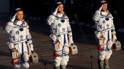 3 Astronot China Sukses Mendarat di Stasiun Luar Angkasa
