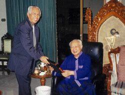 OC Kaligis: Mengenang Usia 100 Tahun Bapak Pembangunan Presiden Soeharto