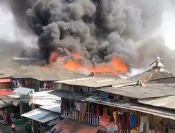 Pemukiman Padat Penduduk di Teluk Gong Kebakaran