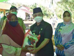 Wagub Kalbar Serahkan Bantuan untuk Korban Banjir di Mempawah