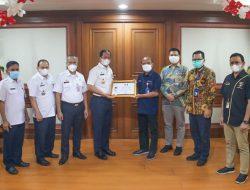 Dukung Penanganan Covid-19, Wali Kota Jakut Berikan Penghargaan ke Pertamina