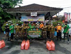 Babinsa Banjar Anyar Dukung Pembagian Masker dan Hand Sanitizer