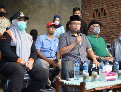 Kunjungi Warga Terdampak Kebakaran, Gubernur NTB dan Bupati Bima Serahkan Bantuan